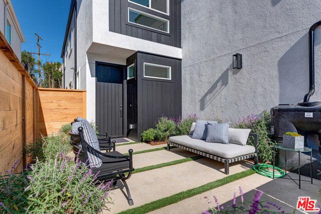 12431 Wagner Street, Los Angeles CA: https://media.crmls.org/mediaz/5E3FF5F2-963C-4D5D-836B-5328CD044601.jpg