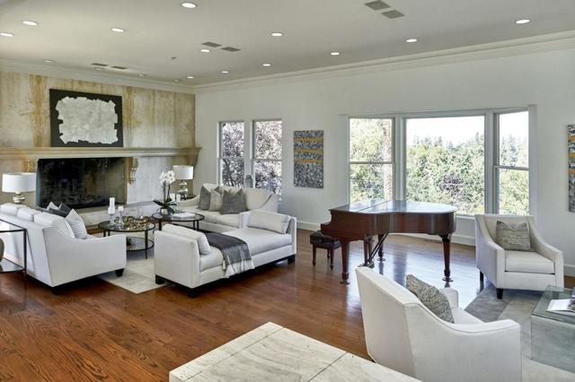 11. 690 Loyola Drive Los Altos Hills, CA 94024