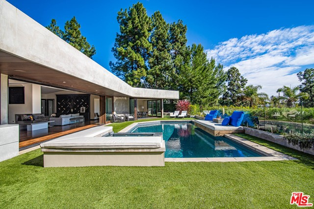 Photo of 1281 LOMA VISTA Drive, Beverly Hills, CA 90210