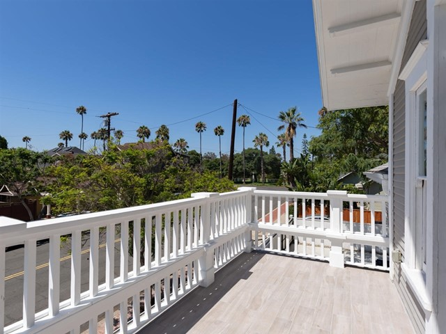 Large balcony off third bedroom with park views