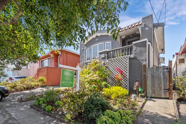 477 45th Avenue, San Francisco, California 94121, 2 Bedrooms Bedrooms, ,1 BathroomBathrooms,Single Family Residence,For Sale,45th,ML81770476