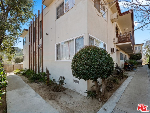 9949 PINEWOOD Avenue, Tujunga, CA 91042