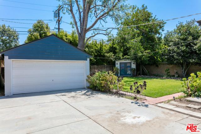 33. 3962 Coldwater Canyon Avenue Studio City, CA 91604