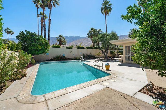 1445 Plato Circle, Palm Springs, CA 92264