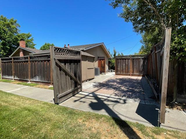 24. 3074 Greentree Way San Jose, CA 95128