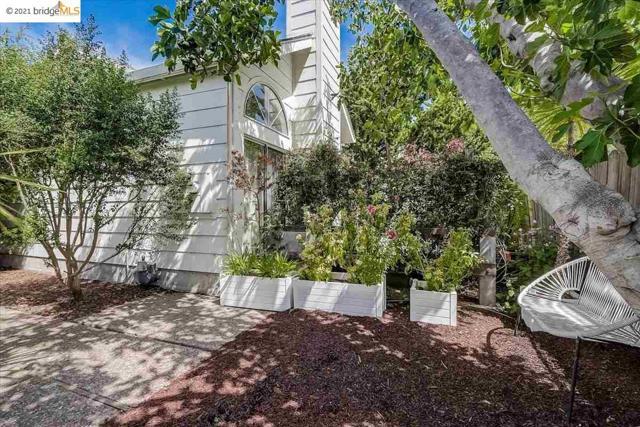 23. 1147 Hearst Ave. Berkeley, CA 94702