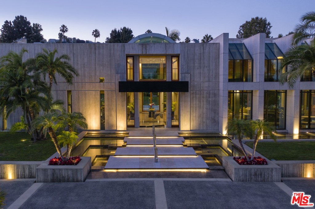 Photo of 601 MOUNTAIN Drive, Beverly Hills, CA 90210