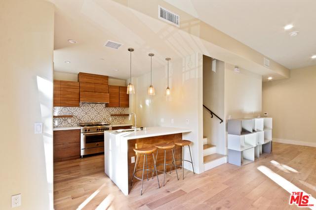 218 S oakland 208, Pasadena, CA 91001