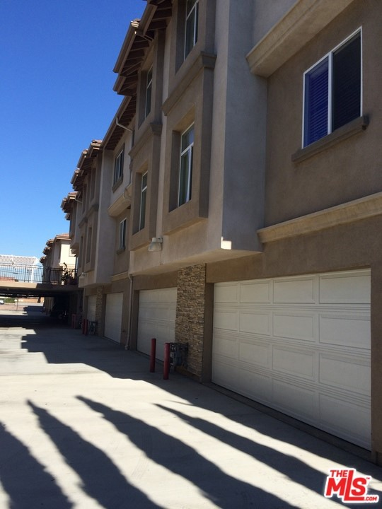 9254 Elm Vista Drive, Downey, California 90242, 3 Bedrooms Bedrooms, ,3 BathroomsBathrooms,Residential,For Sale,Elm Vista,20620182