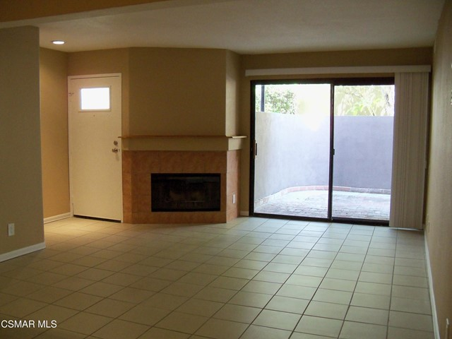Photo of 1109 Tivoli Lane #125, Simi Valley, CA 93065