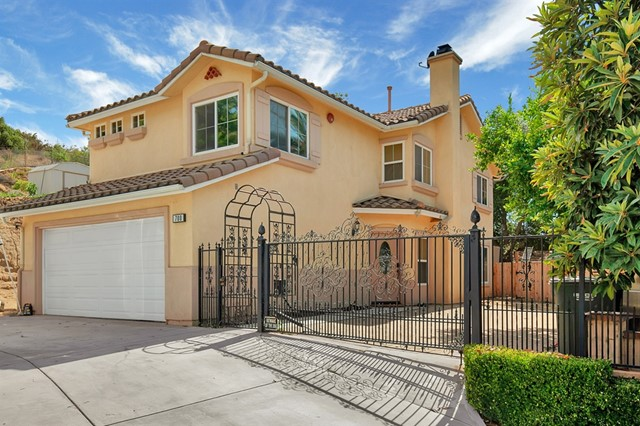 700 Silverbrook Dr, El Cajon, CA 92019