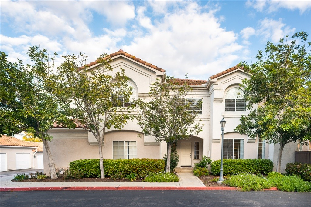Stunning 4-BDR, 3-1/2 bath + Loft & 3-car garage townhome in exclusive Ambiance Community.Rare end-unit features Dual Master Suites, w/baths & walk-in closets.This spacious 2132 ESF unit comes w/vaulted ceilings, beautiful wood/lam & tile floors downstairs. New paint thru-out w/new carpet upstairs.Nicely appointed kitchen w/Kitchen Aid appl's & quartz countertops. Fenced patio & wood deck w/views. Scenic nearby park, schools, Costco & restaurants. No M-Roos.HOA incl/water, sewage, trash, pool/spa & more.  Like a detached home but w/Condo living benefits. This home feels like you're on vacation. Centrally located by HWY 15 & HWY 78. Walking distance to Knob Hill Elementary School and many restaurants & shops(Costco, Wallmart, Rubios, etc)..  Neighborhoods: San Marcos Complex Features: ,,,, Equipment:  Dryer,Garage Door Opener, Washer Other Fees: 0 Sewer:  Sewer Connected Topography: LL