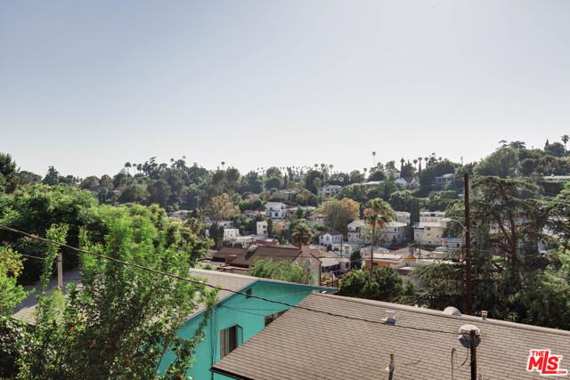 27. 1628 N Easterly Terrace Los Angeles, CA 90026