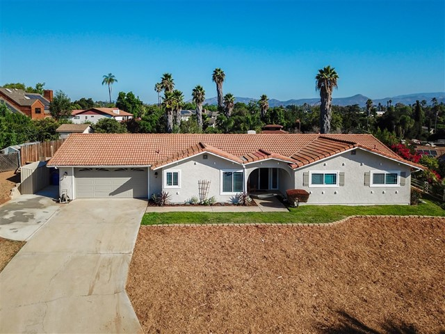 2059 Summit Dr., Escondido, CA 92025