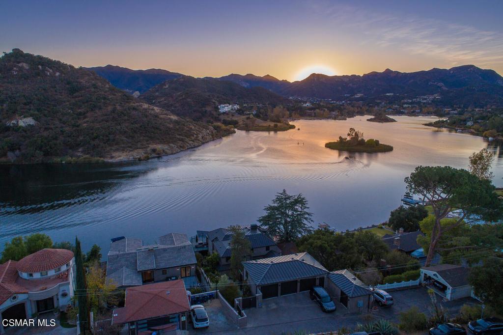 890     Lake Sherwood Drive, Westlake Village CA 91361