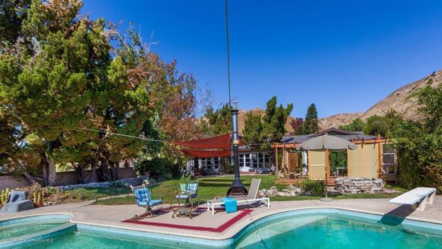 10458 Kurt St, Lakeview Terrace, CA 91342 Photo 2
