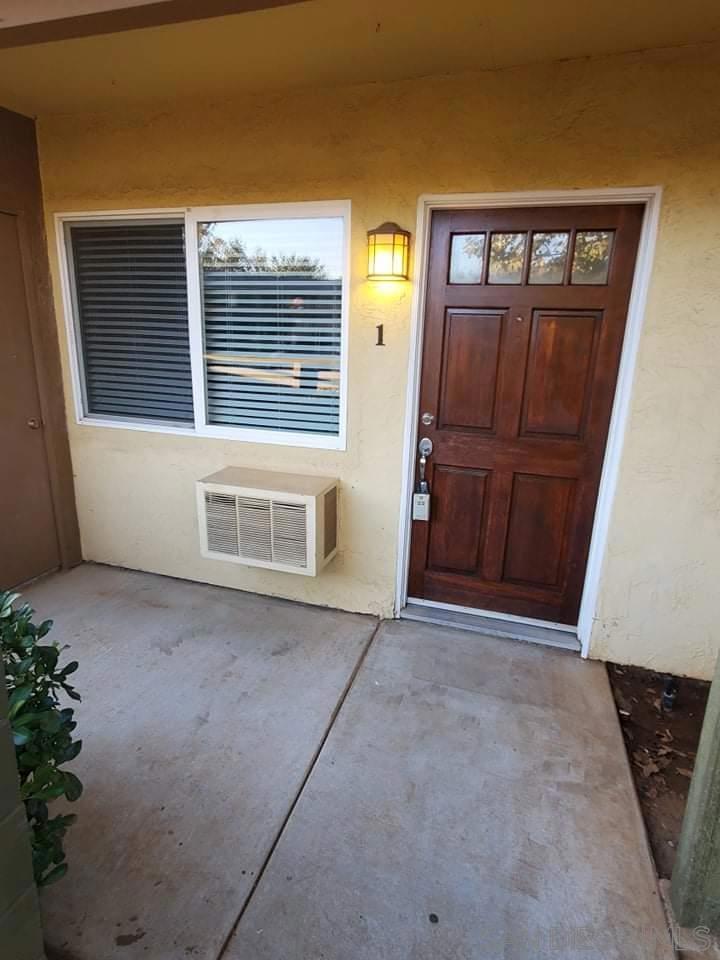 2094   E Grand Ave     #1, San Diego CA 92027