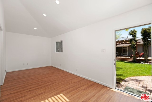 37. 745 N Poinsettia Place Los Angeles, CA 90046