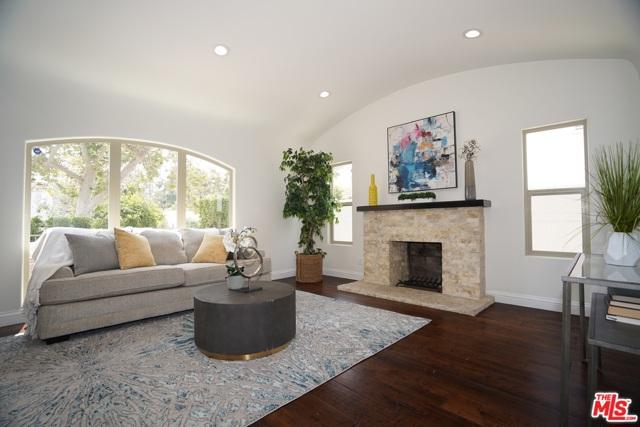 5. 733 S Citrus Avenue Los Angeles, CA 90036