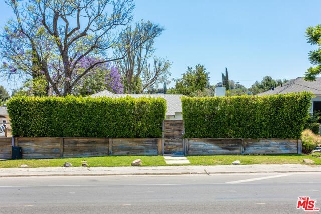 3962 Coldwater Canyon Avenue Studio City, CA 91604