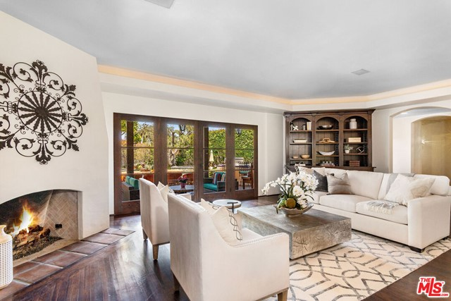 18. 453 Via Media Palos Verdes Estates, CA 90274
