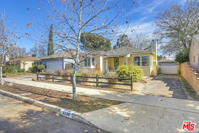 6240 SIMPSON Avenue, North Hollywood, CA 91606