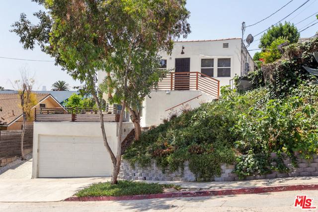 31. 2218 Effie Street Los Angeles, CA 90026