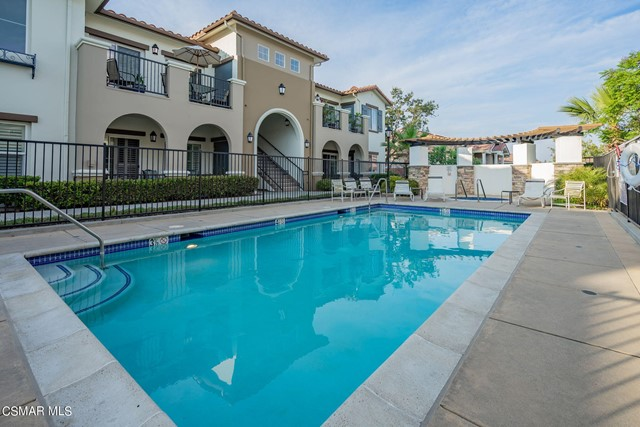 42. 461 Country Club Drive #111 Simi Valley, CA 93065