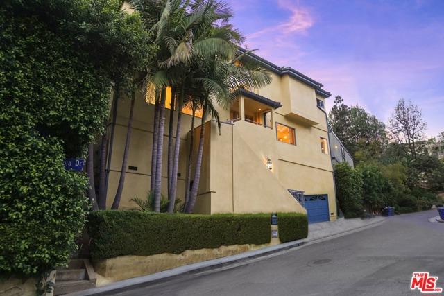 47. 2635 Rinconia Drive Los Angeles, CA 90068