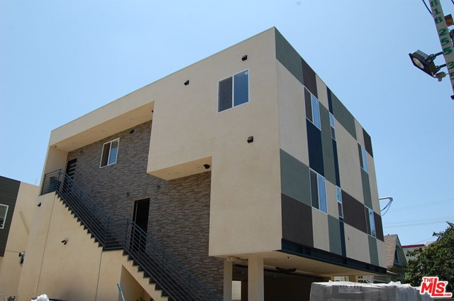 Newly Built in late 2018 Located on the USC Tram Course blocks away. These properties are built on 2 side by side lots as New buildings. The investment is comprised of a unit mix consisting of seven (7) 4-bedroom + 4 bathroom in units & one (1) 5-bedroom + 5 bathroom in unit, each units have own washer and dryer, all stainless kitchen appliances and some island counter tops. Each units has own HVAC units and controller. Current lease with well-known USC housing management company until 7/31/2022. The minimum management is required. Maximum 18 parking spaces is available.                                                                                                                 PLEASE SEE PRIVATE REMARKS