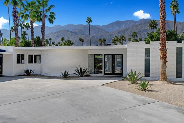 1061 Sagebrush Road, Palm Springs, CA 92264