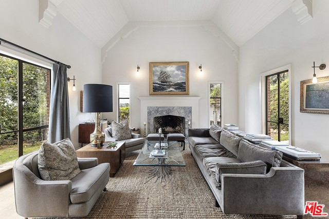 Image 12 of 3705 Lowry Rd, Los Angeles, CA 90027