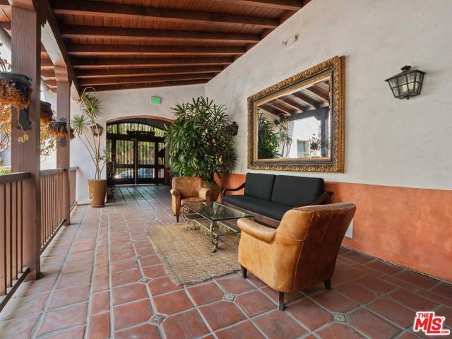 28. 1414 N Harper Avenue #16 West Hollywood, CA 90046