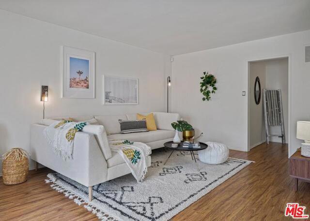 2621 CENTINELA Avenue 17, Santa Monica, CA 90405