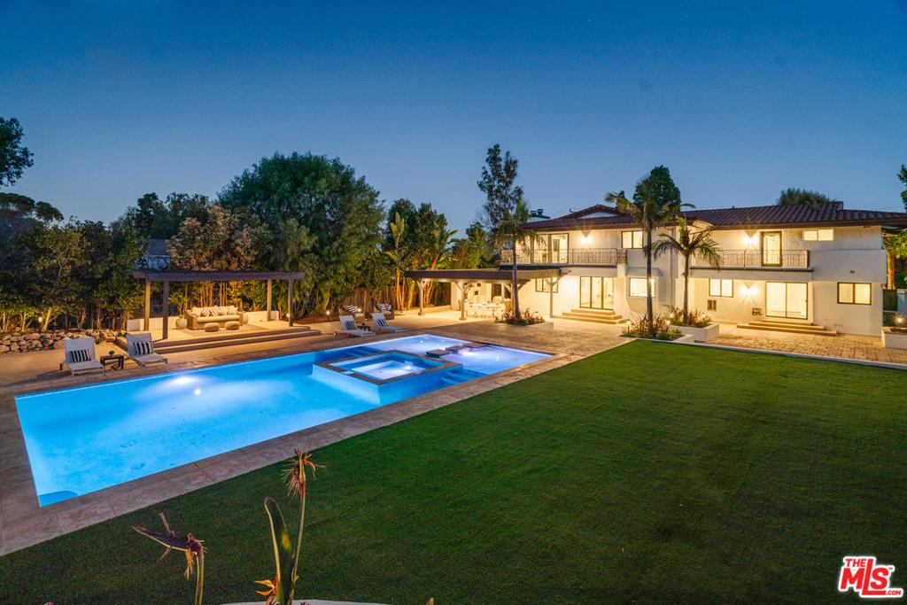Photo of 3805 Palos Verdes Dr N, Rolling Hills Estates, CA 90274
