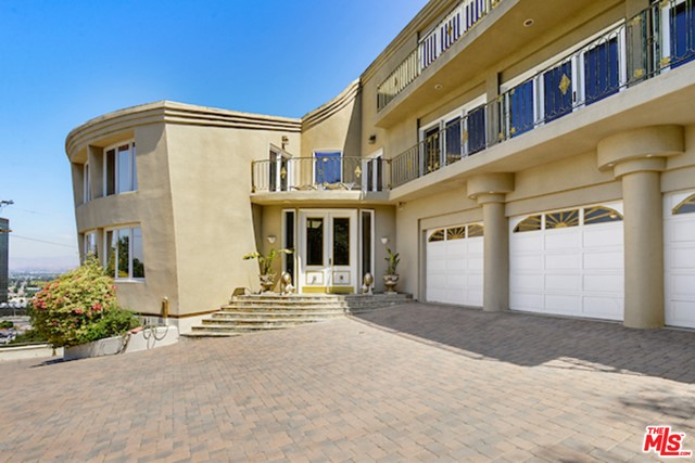 Image 18 of 3656 Multiview Dr, Los Angeles, CA 90068