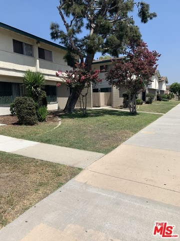 Both APN #: 6084-019-031 and 6084-020-033 are both a part of this one sale for the one asking price.  A total of 36 units, 833 & 937 E. 120th Street, Los Angeles, CA 90059, 14 and 22 units, respectively.  Great Investment Properties, well maintained units, that have been in the same Family since the 70s.  Full Financials will be furnished to serious buyers only.  Buyers and agent must conduct their own investigations to determine accuracy of sq. ft, size, etc.