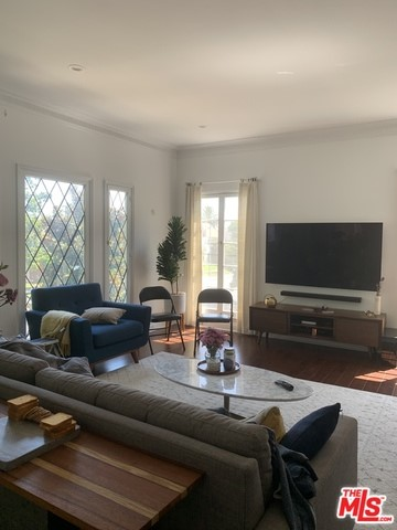 9374 W OLYMPIC 1/2, Beverly Hills, CA 90212