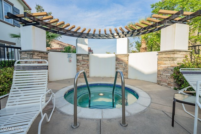 40. 461 Country Club Drive #111 Simi Valley, CA 93065