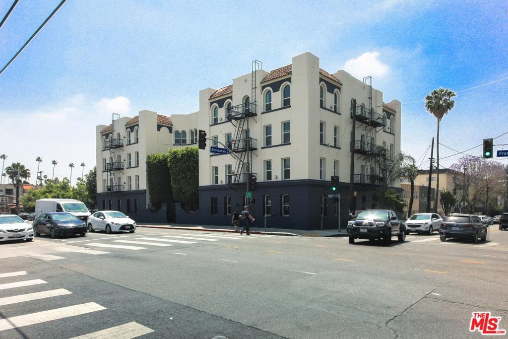 Photo of 5870 Franklin Avenue, Los Angeles, CA 90028