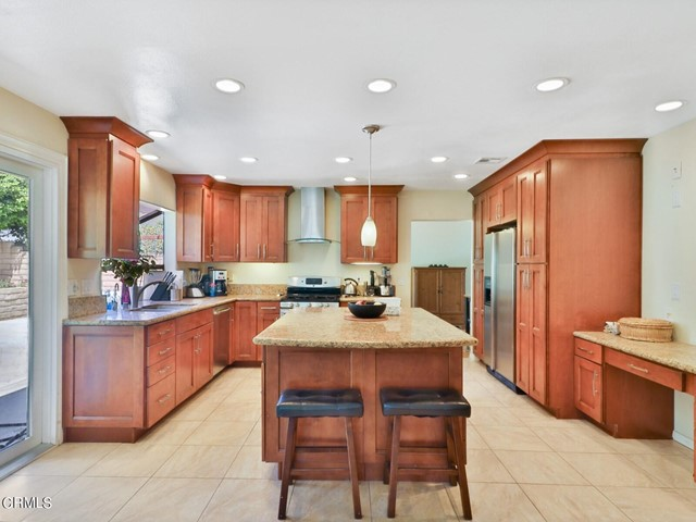 10. 11533 Coralberry Court Moorpark, CA 93021