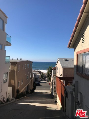 321 Moonstone Ave, Manhattan Beach, California 90266, 1 Bedroom Bedrooms, ,1 BathroomBathrooms,For Rent,Moonstone Ave,17297986