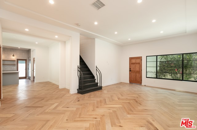 9947 YOUNG Drive 9947, Beverly Hills, CA 90212