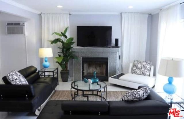 137 S Rexford Drive, Beverly Hills, CA 90212