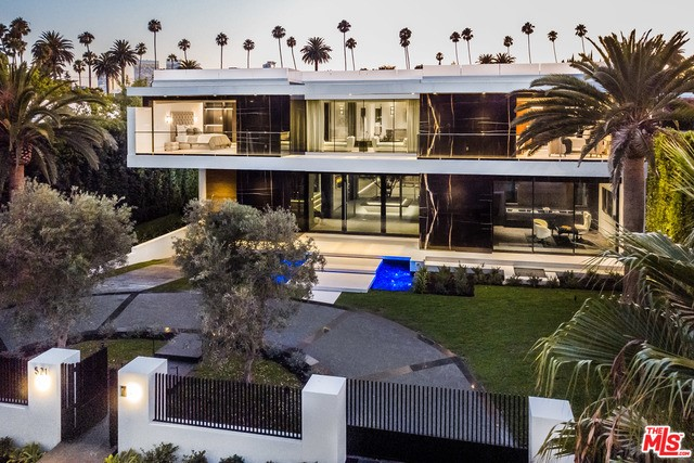 Photo of 521 N CANON Drive, Beverly Hills, CA 90210