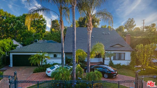 Photo of 5921 Hillview Park Avenue, Valley Glen, CA 91401