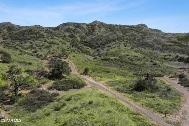 Multiple vacant lots in east Simi Valley. Useable, and ready to build.