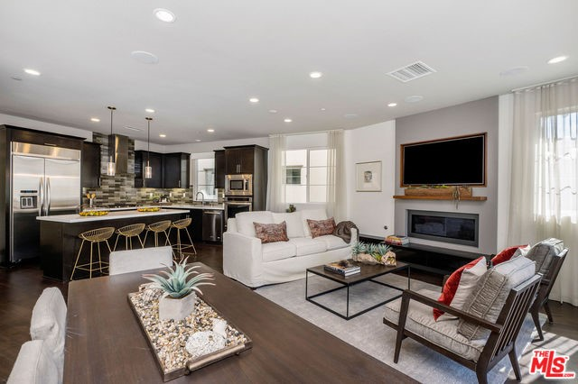 5825 S SPARROW Court, Playa Vista, CA 90094