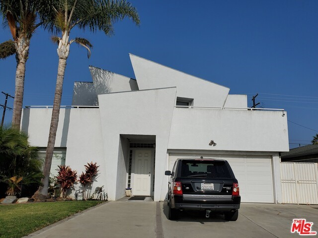 12853 WALSH Avenue, Los Angeles, CA 90066