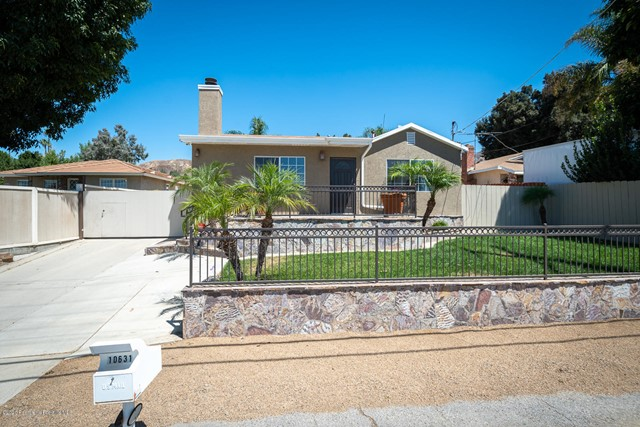 10631 Foothill Bl, Lakeview Terrace, CA 91342 Photo 2